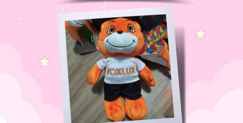 Concorra a mascotes Foxlux